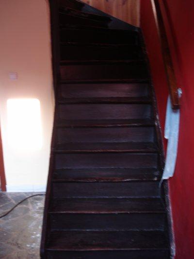 R novation d 39 un escalier et d 39 une cuisine mur et plan de travail en mortex le pass au pr sent for Comfixer un plan de travail au mur